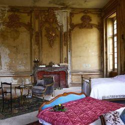 El francés Castillo de Gudanes sobrevive hoy gracias al aporte de los futuros huéspedes.