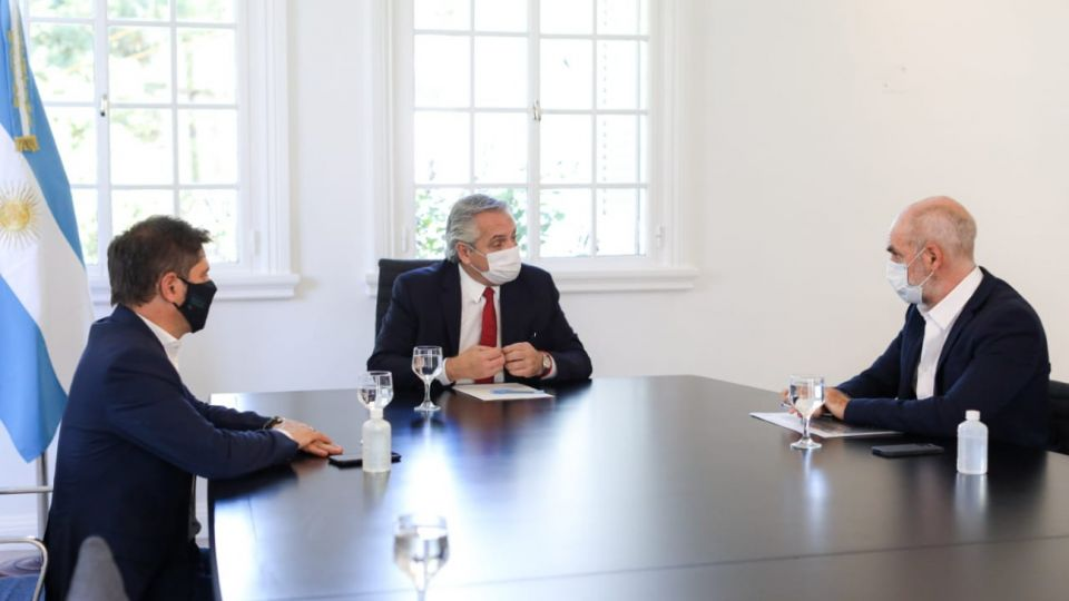 Alberto Fernández recibió a Kicillof y Larreta por la suba de casos de coronavirus en el AMBA.