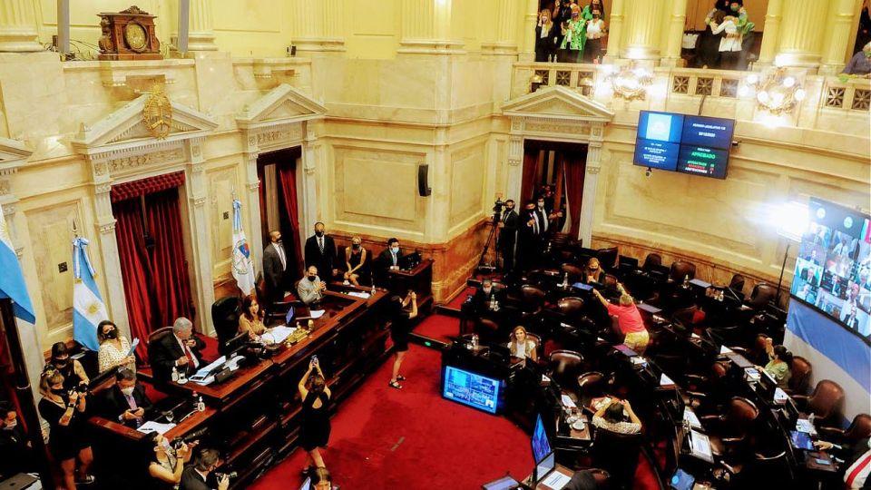 El recinto del Senado en el momento de sancionar la ley IVE