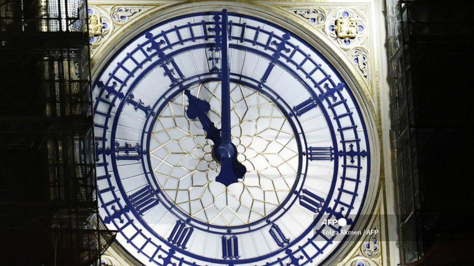 El Big Ben anuncia que el Brexit ha llegado: 31/12/2020.