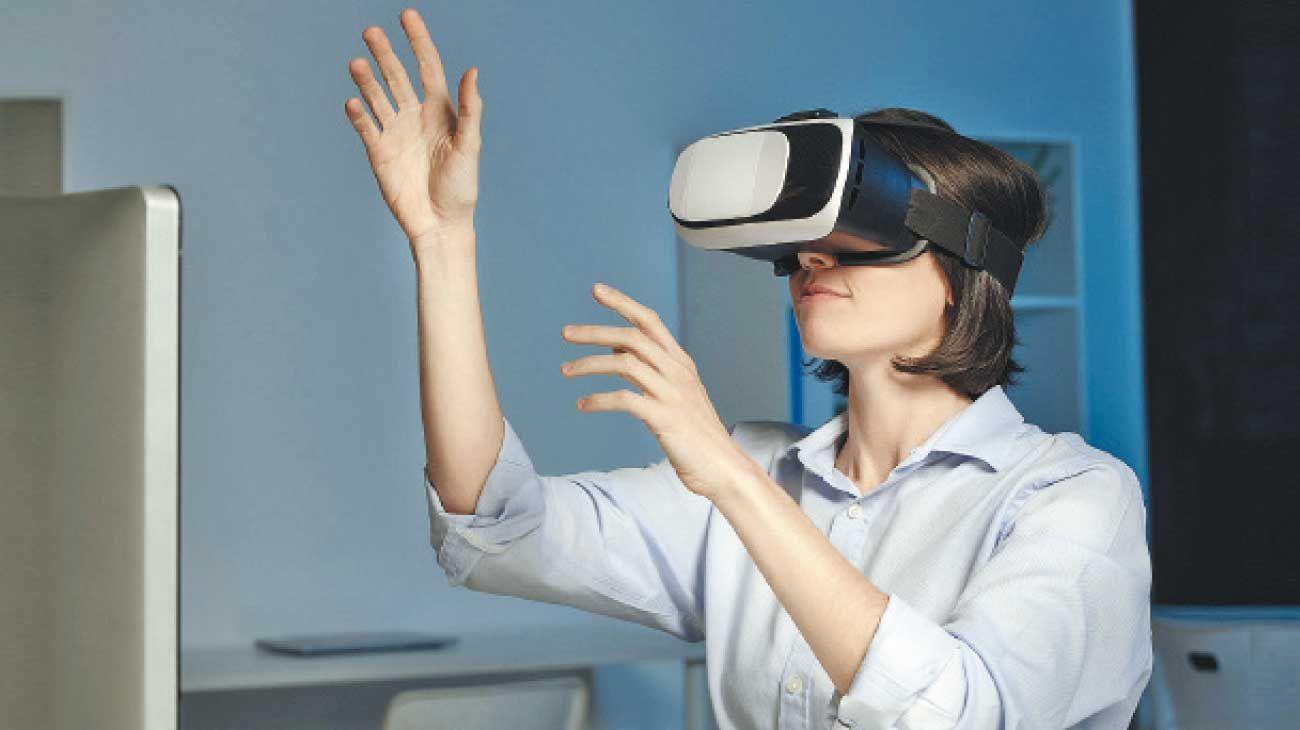 Alteraciones. Desde juegos desarrollados en realidad virtual hasta relojes inteligentes, la nueva era digital permite un acercamiento ya no distinto sino revolucionario a modos clásicos de los relatos, del paso del tiempo y de lo que definimos como vida cotidiana.