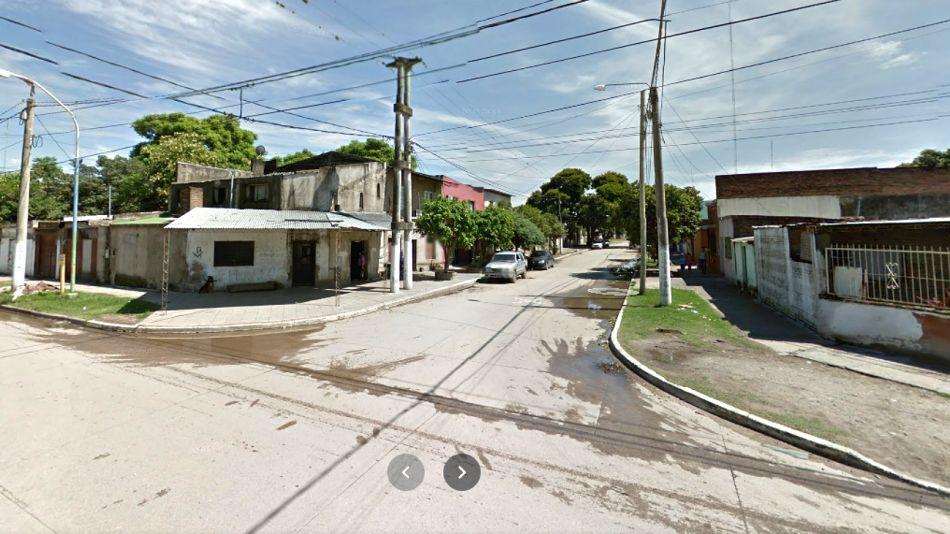 La esquina de Berutti al 100, en el Barrio San Cayetano de la capital tucumana, donde mataron a una embarazada de 29 años.