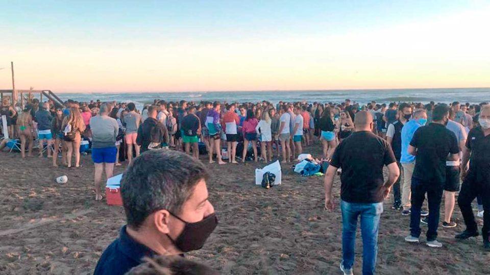 Fiestas y playas colapsadas, dos puntos que preocupan al Gobierno. Foto: Cedoc.