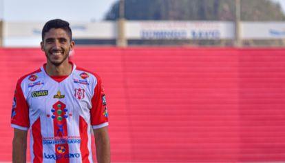 A PRIMERA. Martín Chiatti juega en uno de los clubes más emblemáticos de Bolivia.
