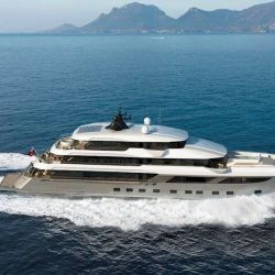 El superyate Majesty 175 se erigió en los astilleros de Gulf Craft, ubicados en los Emiratos Árabes Unidos.