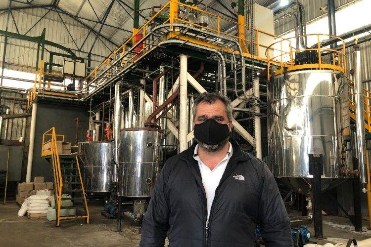 Flavio Porcille, presidente de la empresa que tiene la capacidad de reciclar 100 toneladas diarias de aceite vegetal usado