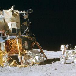 """La nueva ley ordena a la NASA que exija que las futuras misiones lunares bajo su ámbito cumplan con un conjunto de recomendaciones de """"buenas prácticas""""."""