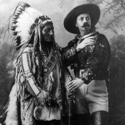 El popular líder sioux Toro Sentado lo acompañó durante muchas de sus aventuras.