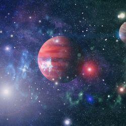 Los seis planetas orbitan la estrella en una resonancia casi perfecta.