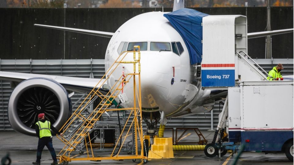 Boeing ocultó información de dos accidentes de su modelo 737 y tiene que pagar 2500 millones de dólares.