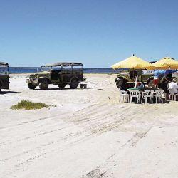 Laguna Loma Blanca, en el Fuerte Argentino, solo accesible en 4x4 o a través de los camiones de Desert Tracks.