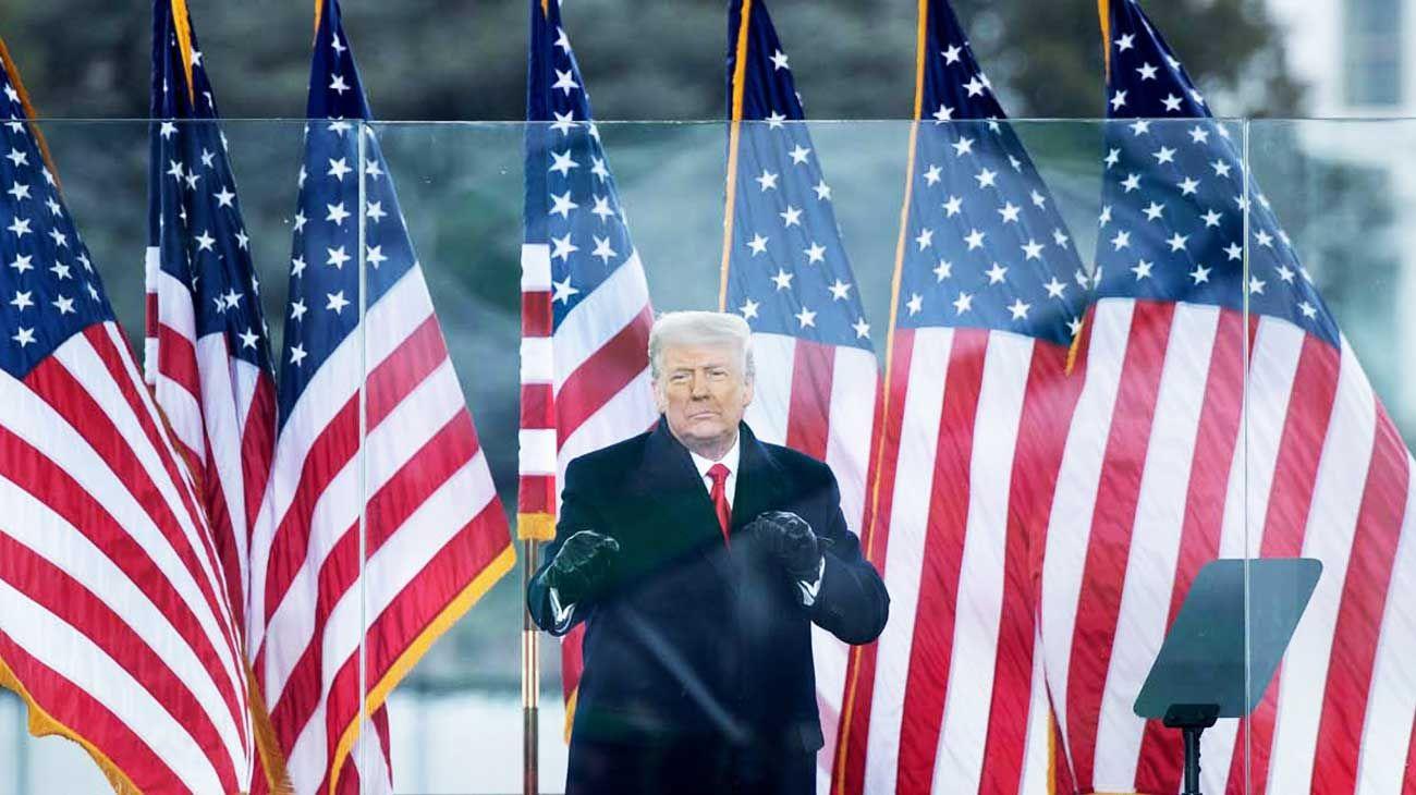 La hora referí. Donald Trump se aferra al poder hasta el 20 de enero y promete seguir en política.