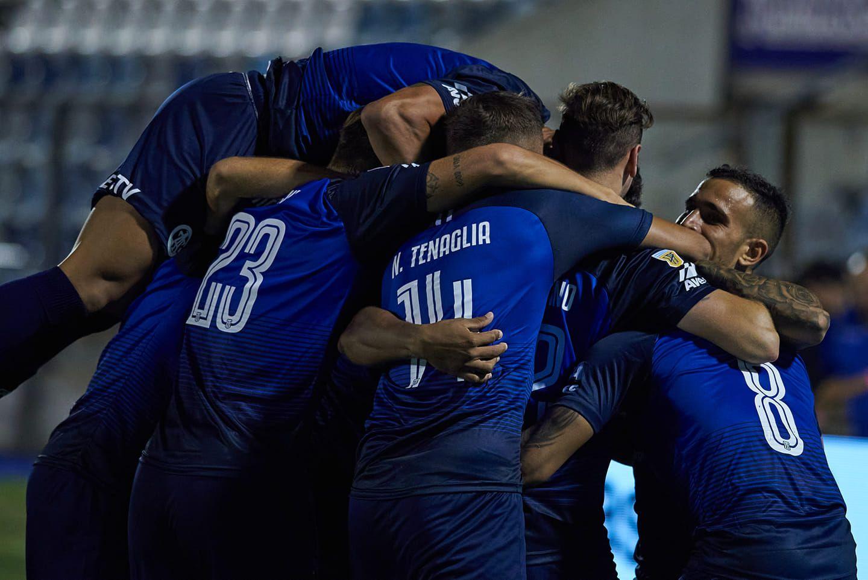 CELEBRACION. El actual equipo albiazul ganó partidos importantes en este certamen.