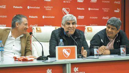 Los dueños. Hugo y Pablo Moyano son los que toman todas las decisiones en el club.