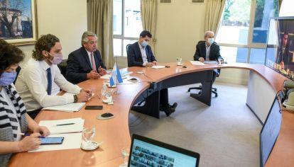 El presidente Alberto Fernández, en una reunión virtual con gobernadores.