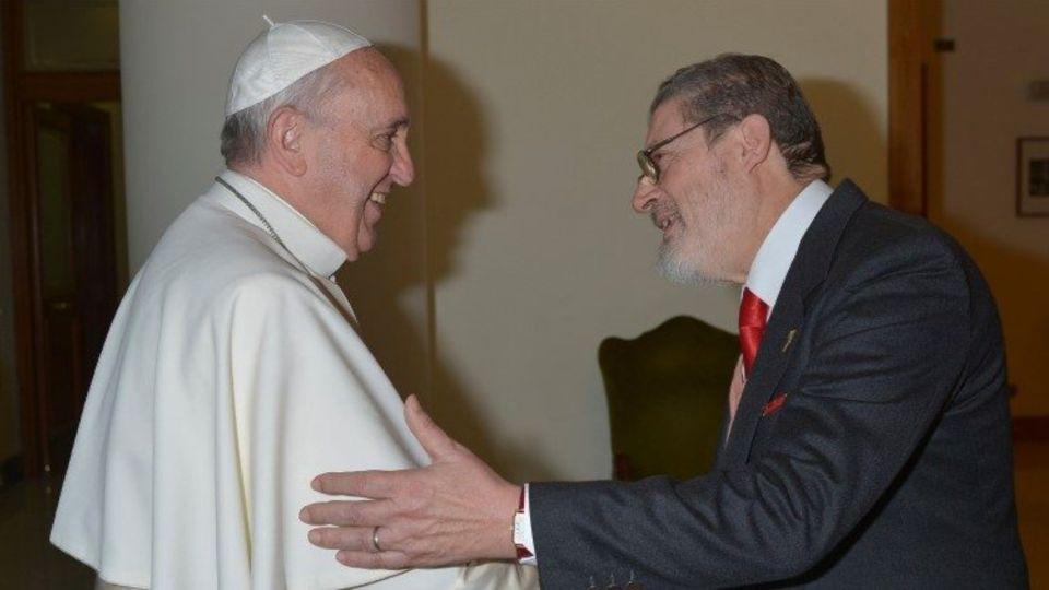 Fabrizzio Soccorsi, médico personal del Papa Francisco,murió por complicaciones debidas al Covid-19.