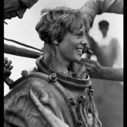 Se dio el lujo de igualar la hazaña que, en 1927, había conseguido Charles Lindbergh a bordo de su legendario Espíritu de San Luis.