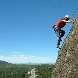 A medida que aumenta la cantidad de escaladores, mayores son los daños ambientales.