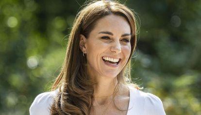 Kate Middleton presentó su primer libro e impactó con su elegante look