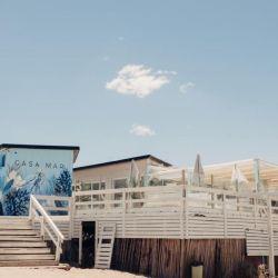 Casa Mar, en Pinamar Norte, tiene una singular inspiración europea.