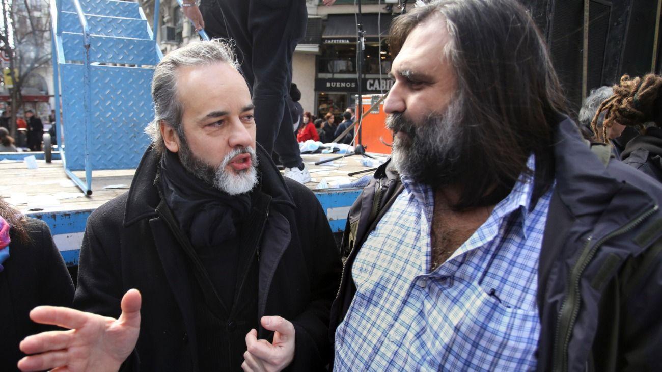 Eduardo López, el secretario gremial de CTERA, junto a Roberto Baradel.
