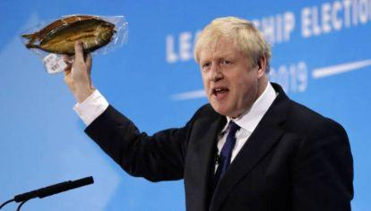 Boris Johnson cedió en los acuerdos pesqueros con la UE