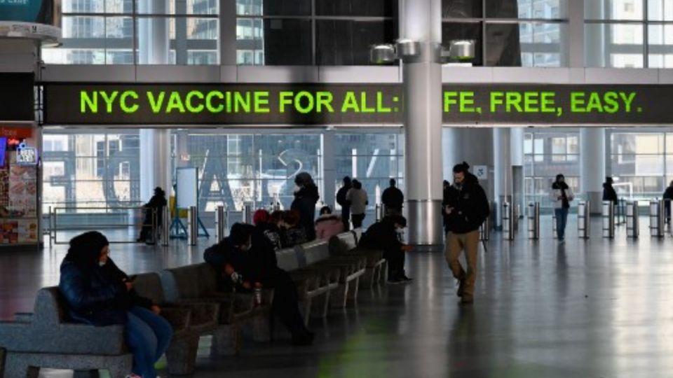 Estados Unidos planea exigir test negativo de Covid a turistas.