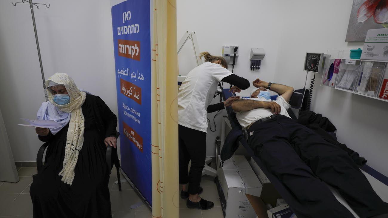 Israel lanzó la más ambiciosa y efectiva campaña de vacunación
