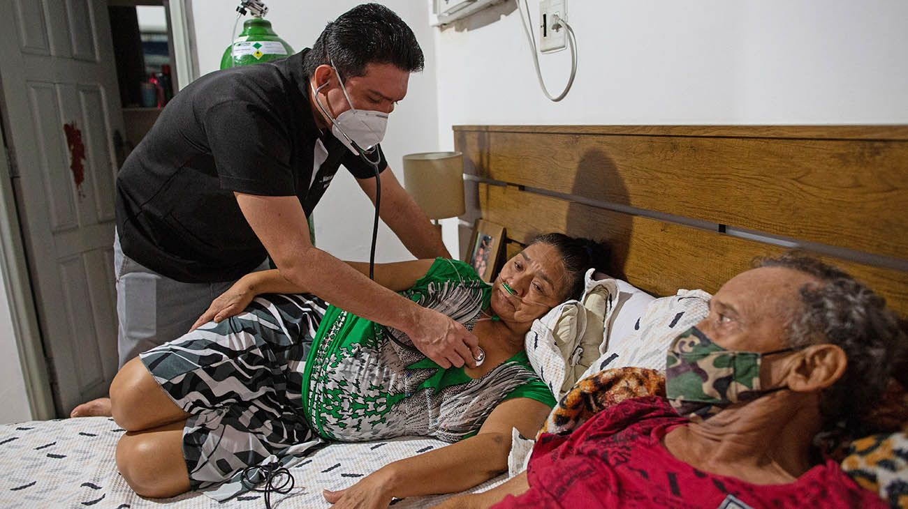 Con una incidencia significativaen Manaos, la capital de Amazonas está cerca del colapso ante el aumento de contagios y muertes por Covid-19.