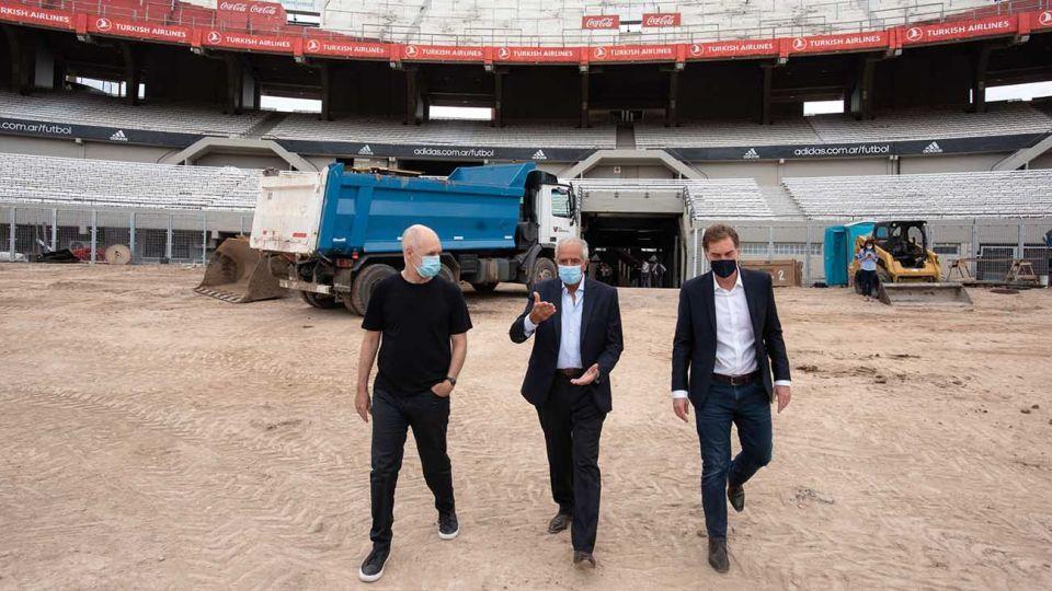 El jefe de Gobierno porteño, Horacio Rodríguez Larreta, y el viceje, Diego Santilli, recorrieron el dispositivo Detectar que abrió la semana pasada en el Club Atlético River Plate, junto a su presidente, Rodolfo D'Onofrio.