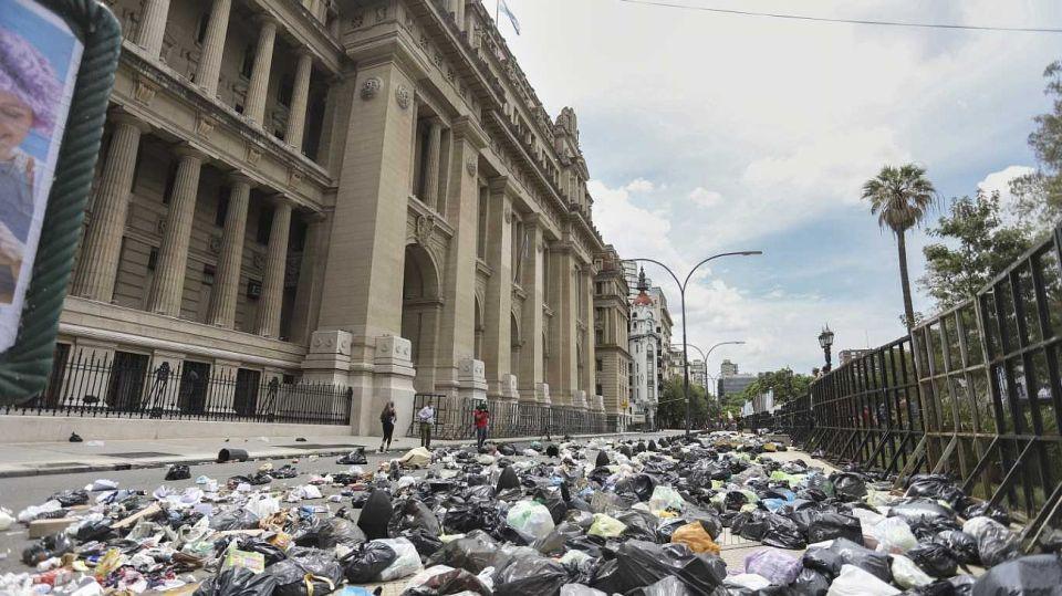 Basurazo en Tribunales. Foto: Noticias Argentinas
