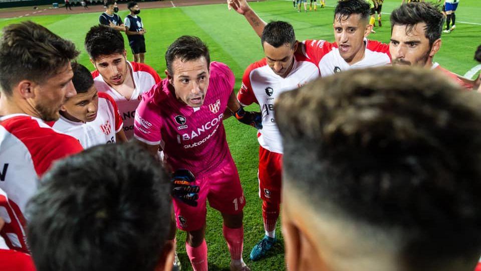 ACTITUD. Jorge Carranza destaca que el equipo juega mejor de lo que dicen quienes los critican.