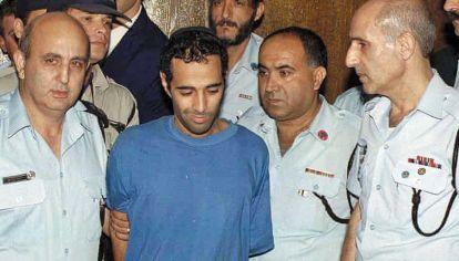Extremista. Un judío ortodoxo que asesinó a un héroe de Israel, como Rabin, alentado por un contexto.