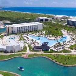 Un resort de lujo, en medio de la quietud natural de Isla Mujeres (a tan solo media hora de Cancún).