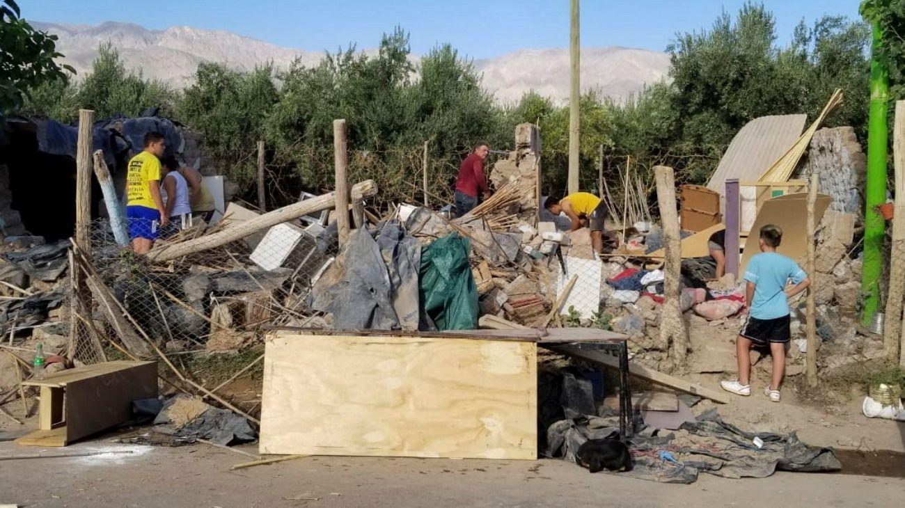 El sismo en San Juan provocó varios derrumbes de viviendas.