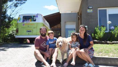 Christian Nally y familia, parte del éxodo a la costa