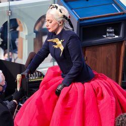 Lady Gaga deslumbró en la toma de posesión de Joe Biden con un Schiaparelli