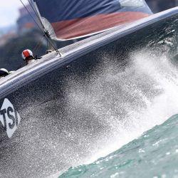 New York Yacht Club American Magic compite contra INEOS Team UK en la segunda ronda, carrera 1 durante la Prada Cup de 2021 de la serie de desafíos de la Copa América en Auckland. | Foto:Gilles Martin-Raget / AFP