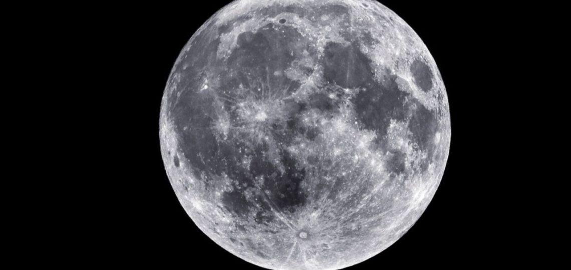 Cortarse el pelo en luna llena, más allá del mito