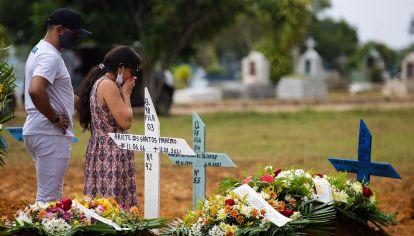 Con un total de muertes que superó los 251 mil, Brasil es el segundo país en número de fallecidos por coronavirus.