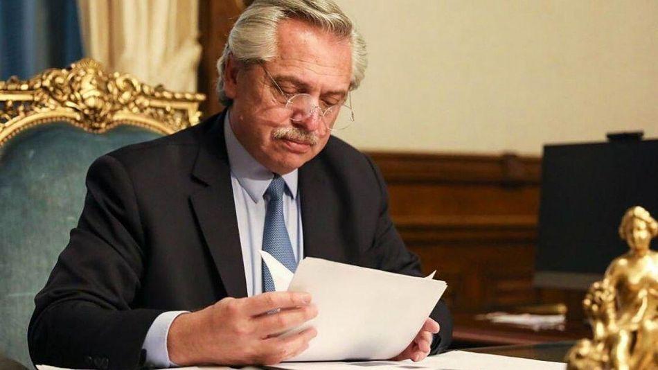 Archivo. Alberto Fernández firmó de puño y letra la carta enviada al presidente Biden.