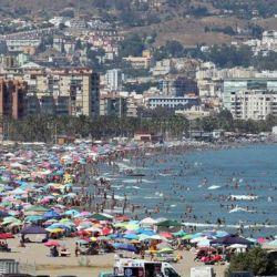 En las playas de Málaga, España, se utilizan drones para monitorear los balnearios.
