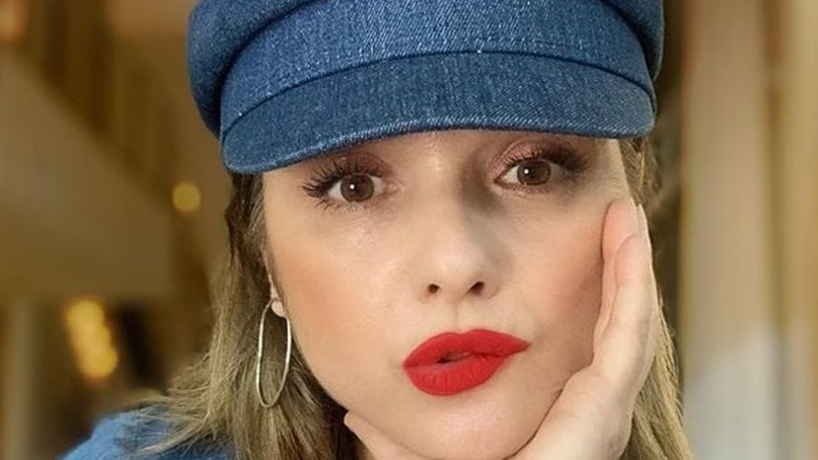 La bella eterna: Adentro te espera, entre otros famosos, Araceli González