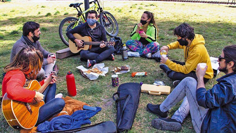 20210123_jovenes_picnic_plaza_cedoc_g