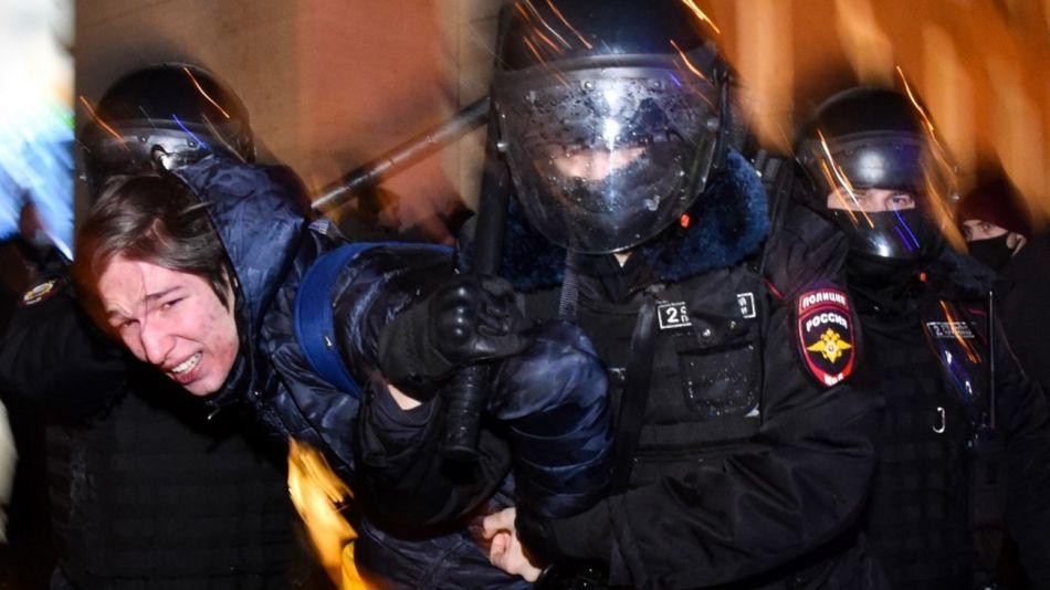 La policía rusa detuvo a centenares de seguidores del opositor Alexei Navalny en Moscú y otras ciudades.