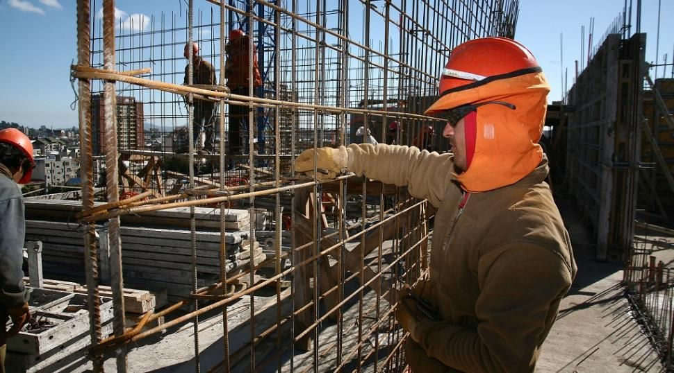 FALTANTES. La escasez de algunos insumos sigue siendo muy notoria en distintos sectores de la construcción y en numerosas ramas de la actividad industrial.