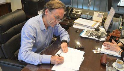 """CONFORME. """"Llegamos a un acuerdo que otras provincias no están en condiciones de alcanzar"""", dijo el ministro Osvaldo Giordano."""