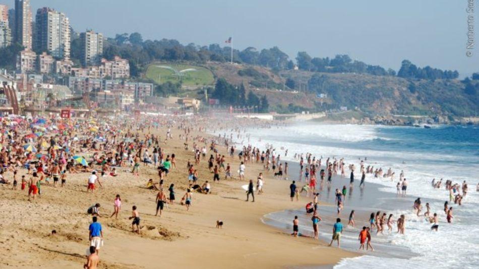 Las hermosas playas chilenas vivieron el sábado un momento tenso con el alerta de tsunami.