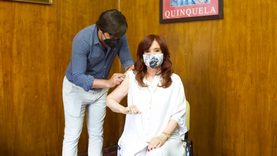 Cristina Fernández de Kirchner receives a shot of Sputnik V, the Russian vaccine against Covid-19.