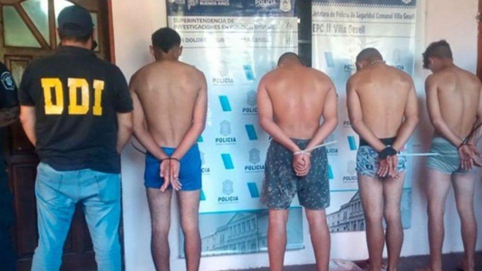 Los cinco detenidos.